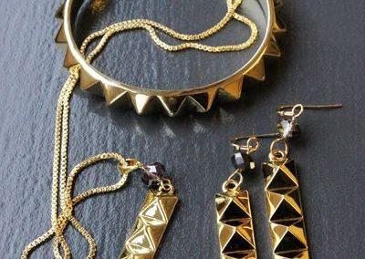 rebel-ella-b-drop-earrings-in-gold-_2_-45465-p
